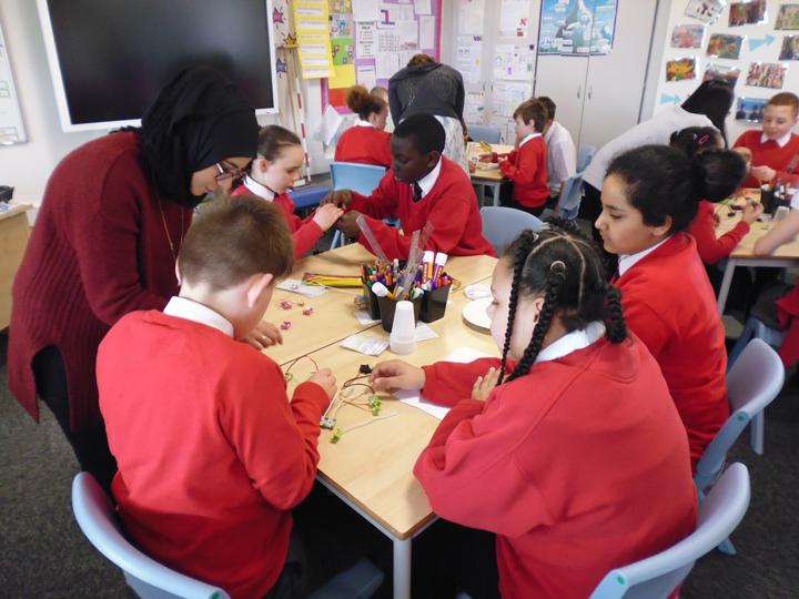Class experiment making circuits using littlebits electronics kits